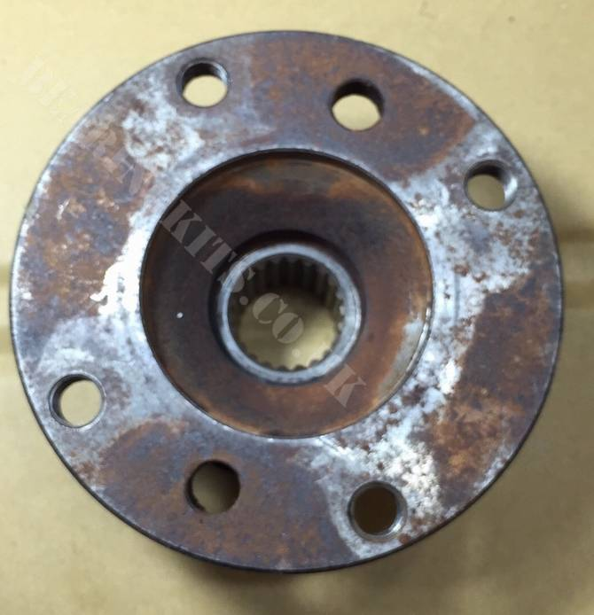 FORD ESCORT AND CAPRI ENGLISH DIFF PINION FLANGE THREADED TYPE