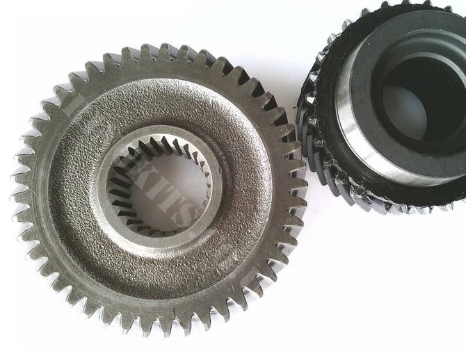New pair of 5th gears for Ford Escort BC 5 speed gearbox 0.76 ratio